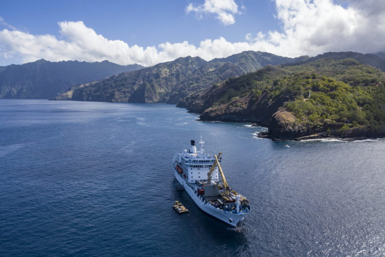 navire cargo mixte aranui iles marquises